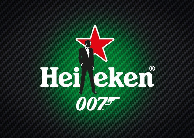 """As part of its integrated global Spectre campaign, Heineken(R) has unveiled a new TV spot - titled """"The Chase"""" - which features Daniel Craig as James Bond in a high speed boat chase. (PRNewsFoto/HEINEKEN)"""