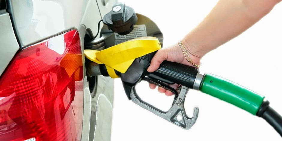 bigstock-Closeup-refuel-gasoline-in-gas-26475701