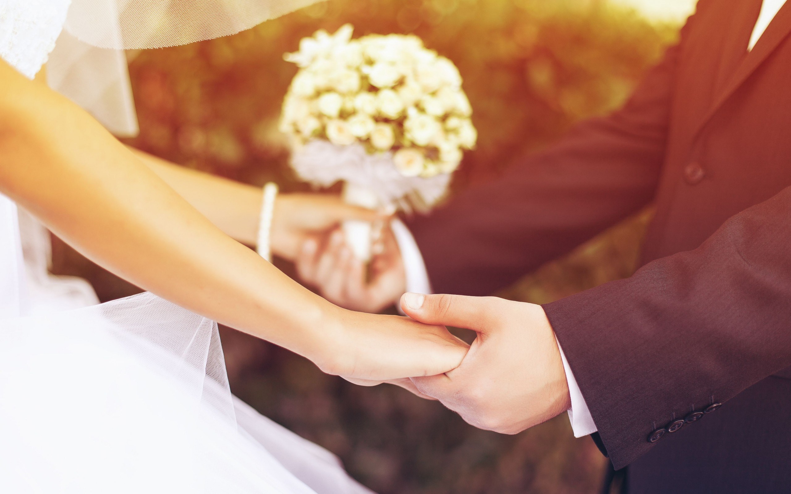 love-him-her-wedding-day-holding-hand-wide-hd-wallpaper