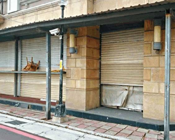 蔡诚停棺在楼宇一楼住家七年,引起街坊不安。