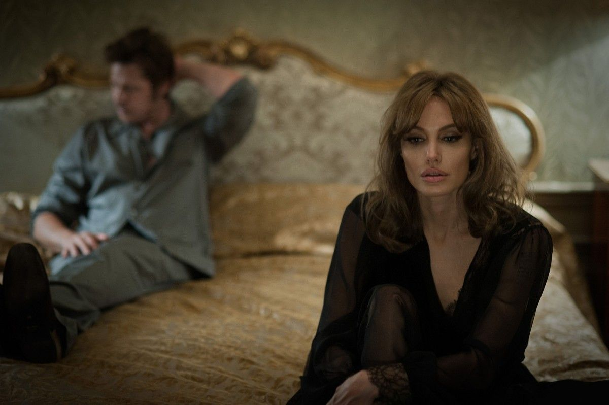 la-et-mn-by-the-sea-angelina-jolie-pitt-brad-movie-20151106